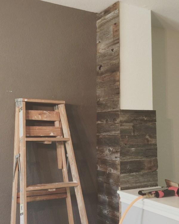 Cowgirl Reclaimed Wood Pillar DIY @sprittibee