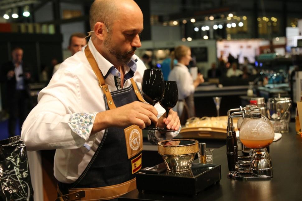Victor-Bolea-Gomez---Spain---Cafes-el-Criollo-062