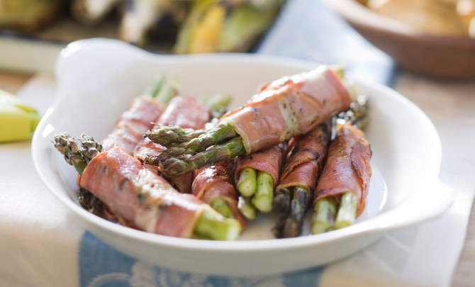 asparagus-bundles-relish