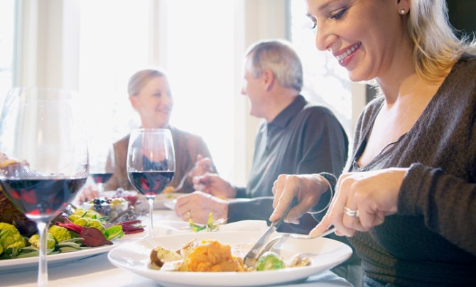 holiday-family-meals-diet-tips-spry-2