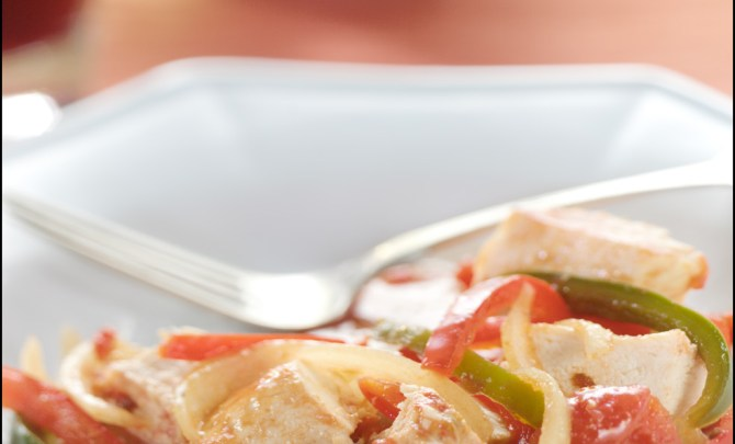 15053-chipotle-chicken-sweet-peppers-relish-spry
