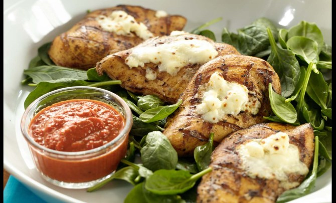 15084-grilled-chicken-spinach-feta-red-pepper-sauce