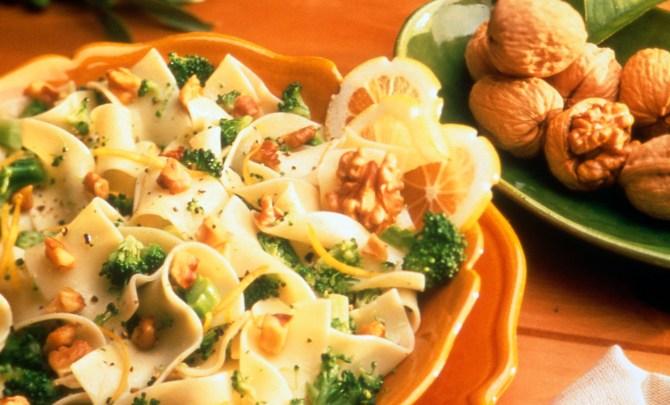 broccoli_walnut_noodles