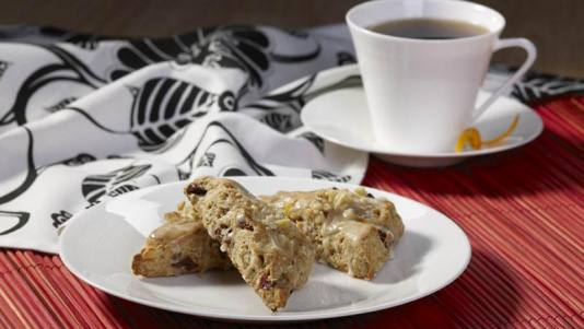 29935-walnut_tart_cherry_scones_8x11_72dpi__crop-landscape-534x0