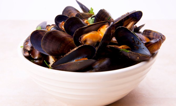 mussels-red-wine-sauce-cod-country-cookbook-health-recipe-spry