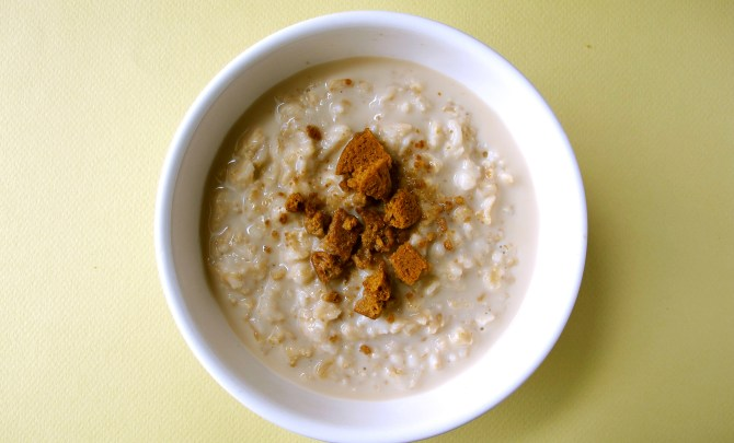 o2-oatmeal-topping-health-breakfast-soy-milk-ginger-snap-spry