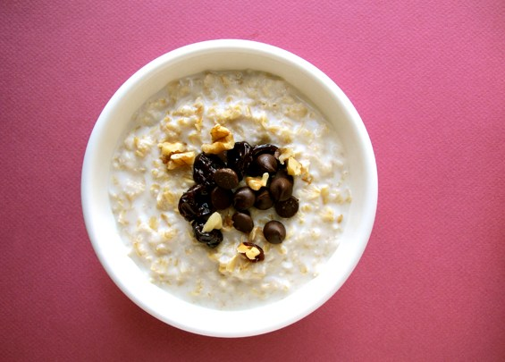 o29-oatmeal-topping-health-breakfast-chocolate-walnuts-cherry-spry