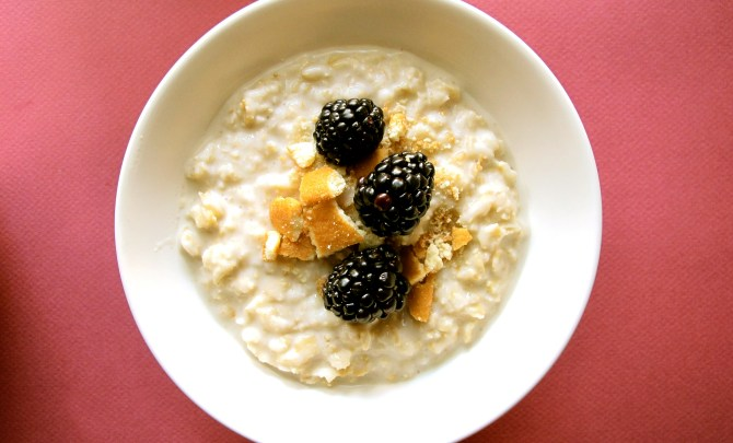 o6-oatmeal-topping-health-breakfast-blackberry-vanilla-wafers-spry