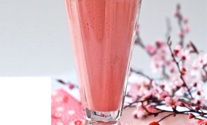 Buckwheat-Strawberry-Smoothie-Spry.jpg