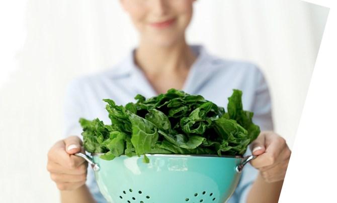 pain-fight-food-health-benefit-spinach-kale-greens-leaf-lettuce-vegetable-garden-summer-farmer-market-produce-diet-eat-food-nutrition-spry