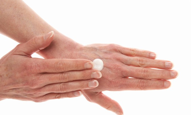 Home-Remedies-Age-Spots-Spry.jpg