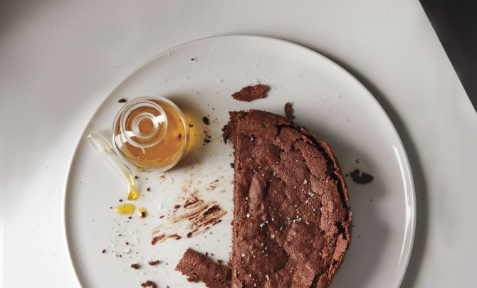 Extra-Virgin-Chocolate-Almond-Torte-Spry.jpg