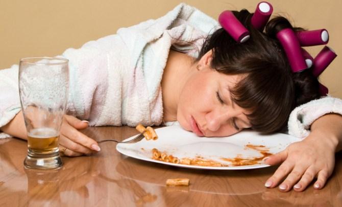 True story of Lesley Cusack who eats in her sleep.