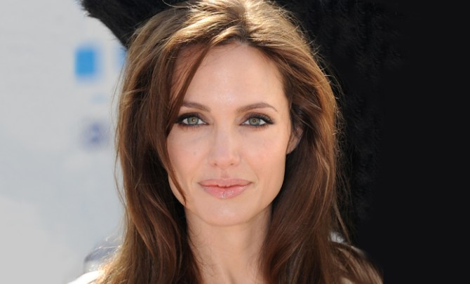 Angelina-Jolie-Preventitive-Double-Mastectomy-Breast-Cancer-BRCA1-Gene-Precaution-Removal-Women-Health-Spry