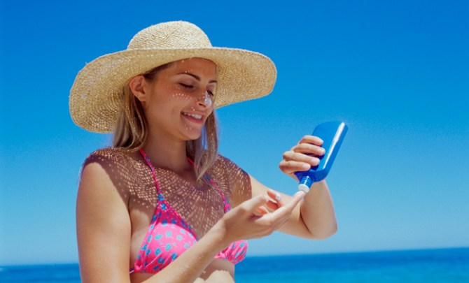 sunscreen-woman-thinkstock