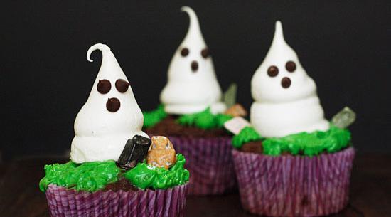 meringue ghosts cupcakes