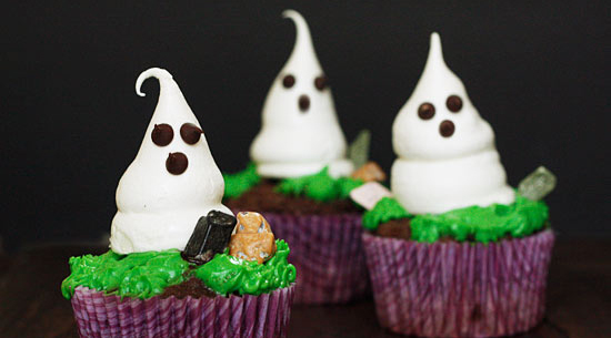 meringue ghosts cupcakes