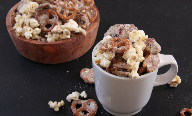 Peanut Butter Protein Snack Mix