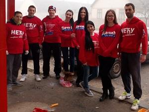 Социјалистичка омладина у акцији фарбања главне аутобуске станице у Пригревици