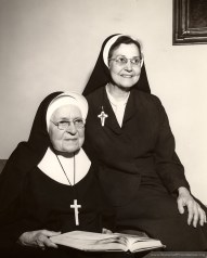 Superior General Mother Mary Pius Regnier congratulates Sister Rose Francis Schwartz on the occasion of her 75th anniversary as a Sister of Providence. Sister Rose Francis lived to age 106.