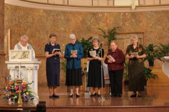 Father Dan Hopcus and the new General Officers (from left to right), Sister Dawn Tomaszewki, Sister Lisa Stallings, Sister Jeanne Hagelskamp, Sister Mary Beth Klingel and Sister Jenny Howard