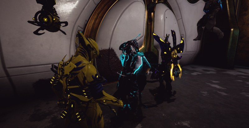 A successful squad of Warframes return to Cetus