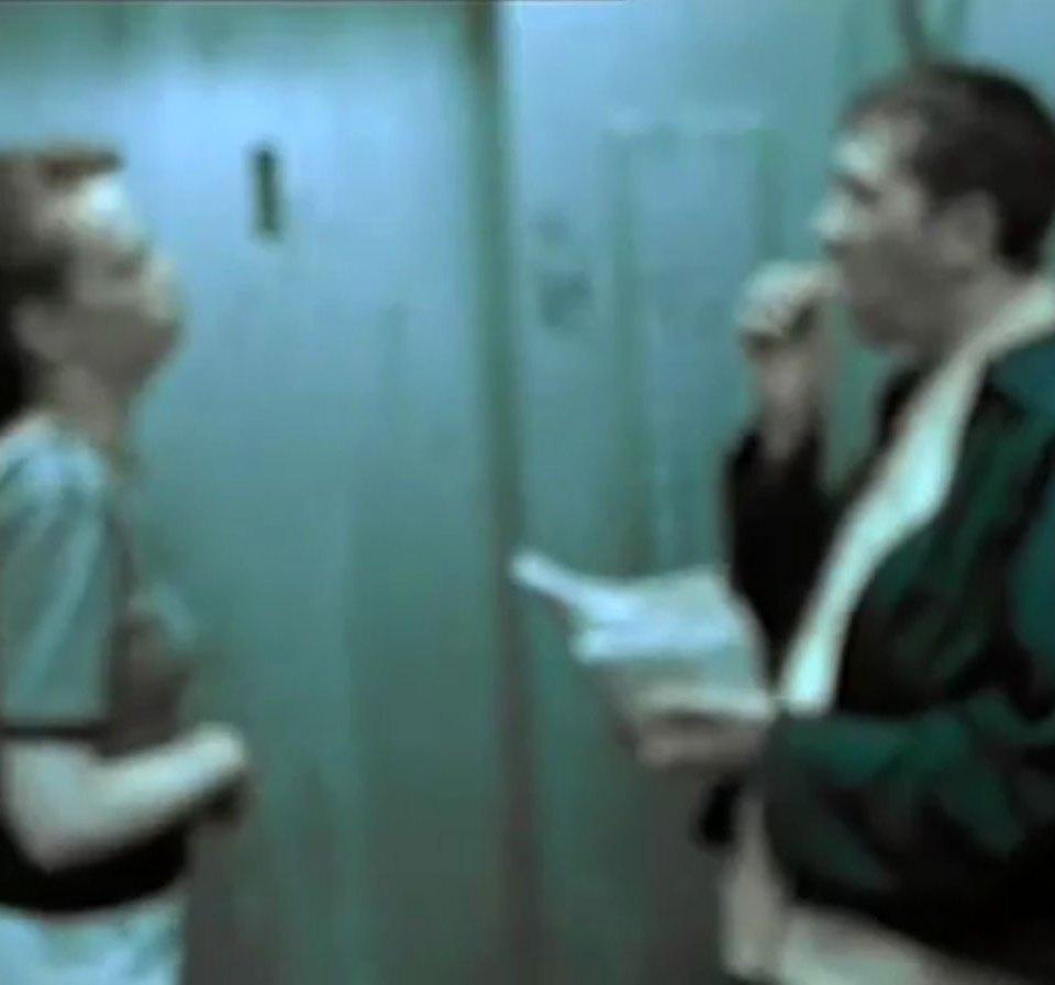 1998-04-01-Hefner-Sweetness-Lies-Within-videograb-12