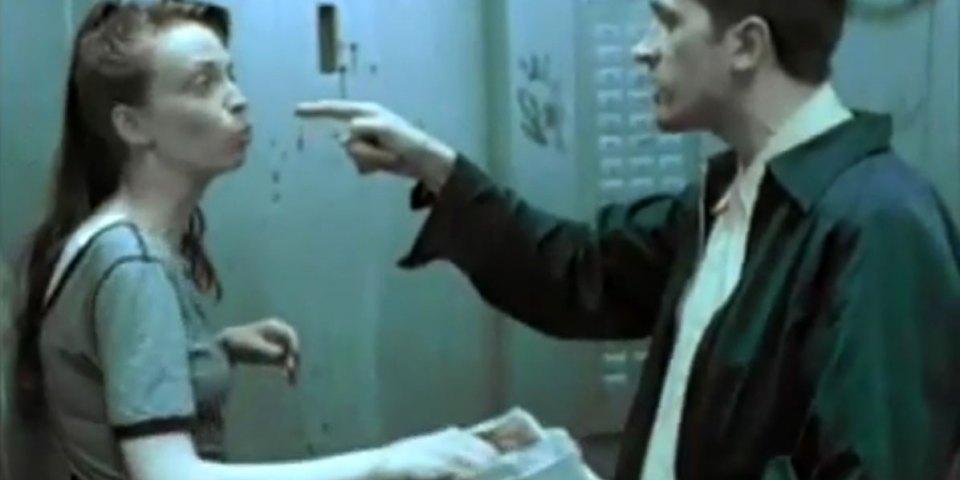 1998-04-01-Hefner-Sweetness-Lies-Within-videograb-13