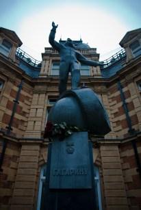 Monumento a Gagarin en el Observatorio Real de Greenwich, Londres. Donado por Rusia en 2011 fue inaugurado por su propia hija Elena Gagarina. Foto: Fabio Niewelt/Flickr.