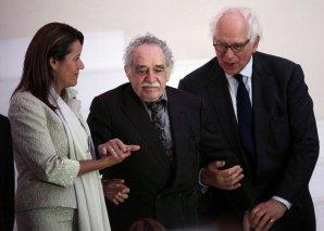 Margarita Zavala, esposa del Presidente de México, el escritor Gabriel García Márquez y Sir Evelyn de Rothschild.