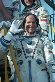 El récord mundial de mayor estancia total de una persona en el espacio abierto lo ostenta el cosmonauta ruso Anatoly Soloviev. Durante su carrera, hizo 16 salidas al espacio y pasó un total de 82 horas y 22 minutos. Foto: © CEC.