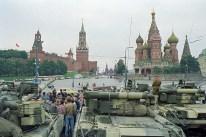19 de Agosto de 1991: Vehículos blindados bloquean el acceso a la Plaza Roja como parte de las medidas establecidas por el Comité de Estado de Emergencia. Foto: © ITAR-TASS.