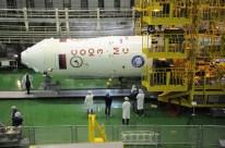 09 de Noviembre de 2016: La nave Soyuz MS-03 cubierta por el Escudo térmico antes su integrada al resto del cohete Soyuz-FG. Foto: S.P. Korolev/RSC Energia.