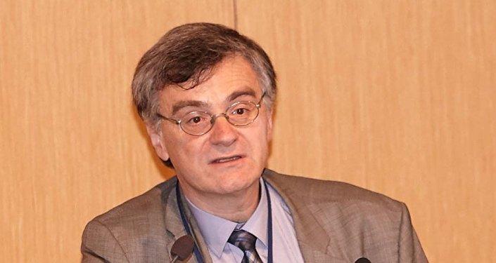 Ο καθηγητής Σωτήρης Τσιόδρας επιστημονικός συνεργάτης του ΚΕΕΛΠΝΟ