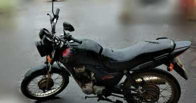 Pinheirense oferece recompensa de Mil reais para quem der paradeiro de motocicleta furtada