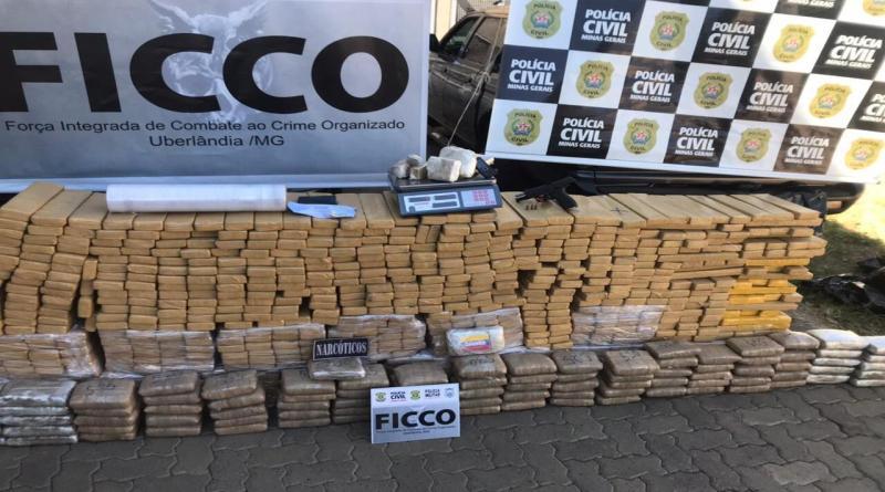 Polícia Civil, MPMG, FICCO apreende quase 1 tonelada de maconha nas cidades de Paracatu e Uberlândia