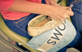 TOMS-Style-Your-Sole-Elmhurst-College-07