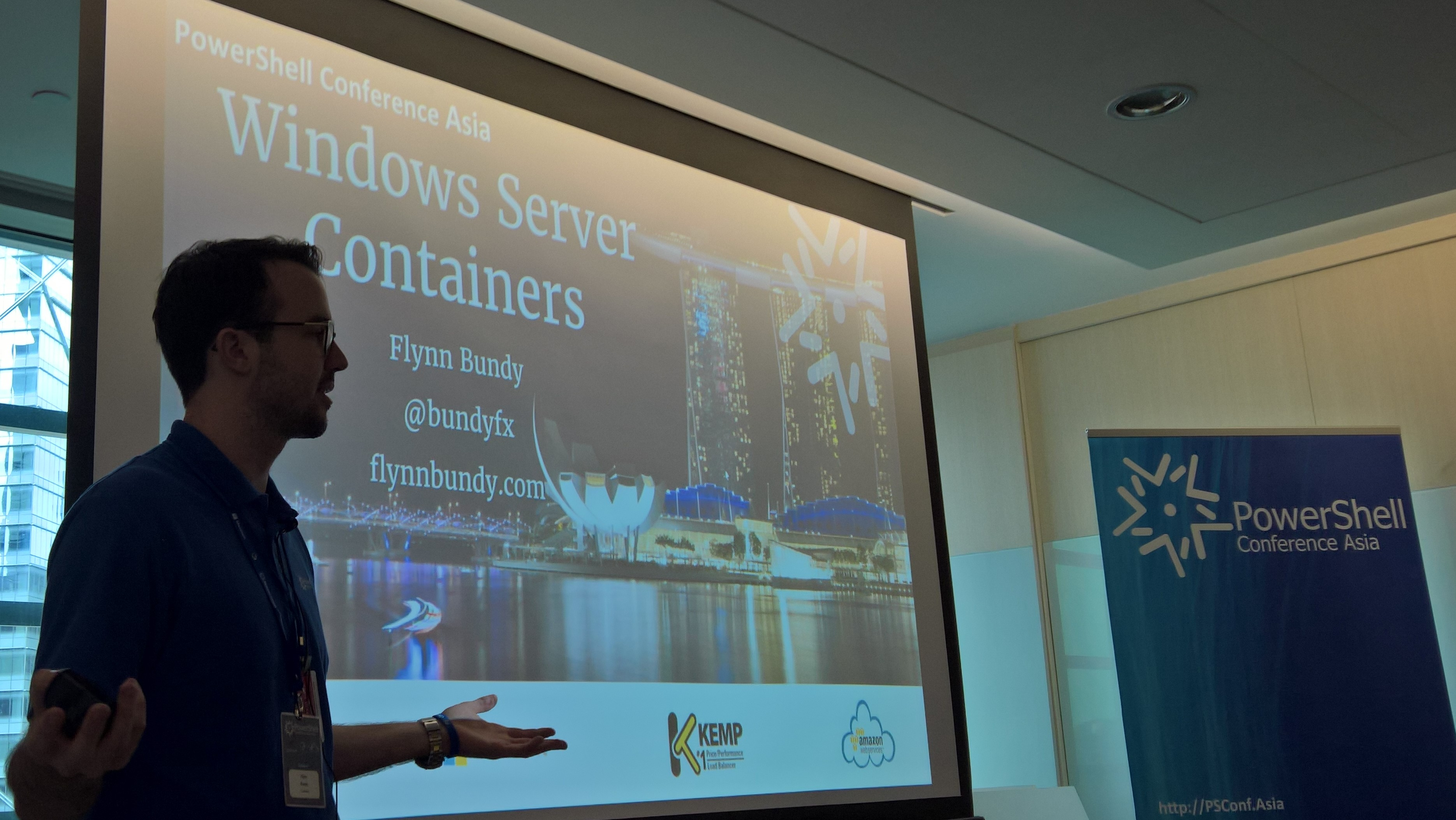 Flynn talked containers in Singapore