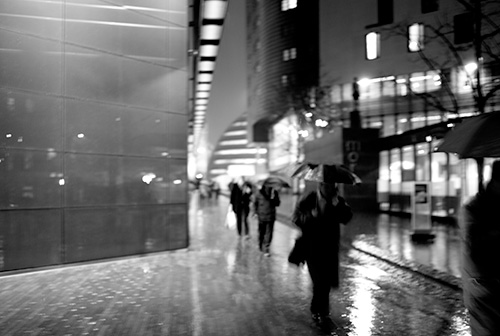 https://i0.wp.com/sqs.blogs.com/photos/uncategorized/2008/01/16/more_london_in_the_rain.jpg