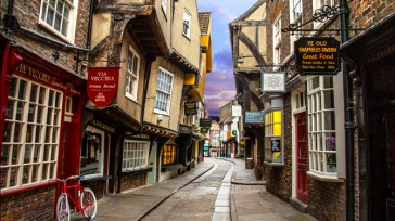 The Shambles is an old street in York, England, with overhanging timber-framed buildings, some dating back as far as the fourteenth century. This image must be reproduced with the credit 'VistBritain/Andrew Pickett'