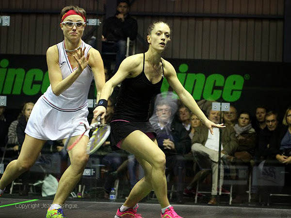 Coline Aumard (right) forces the pace