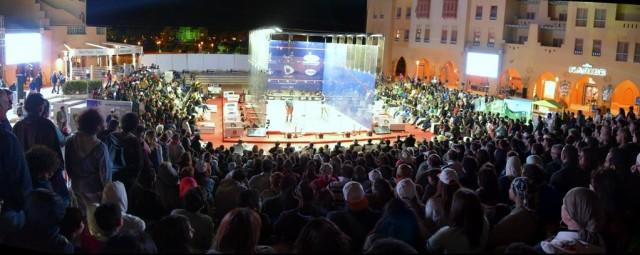 The squash-crazy crowd at El Gouna
