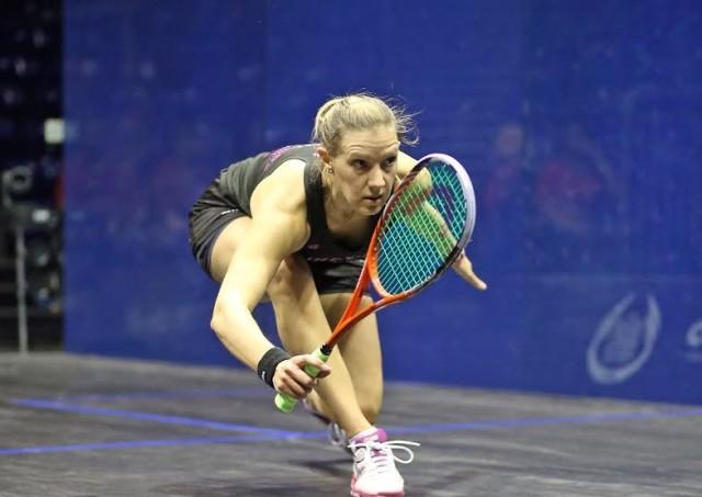 Laura Massaro in action