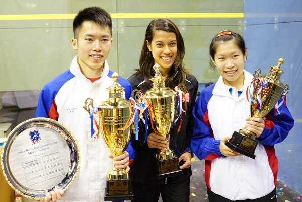 Leo and Annie Au flank world champion Nicol David after the Asian finals