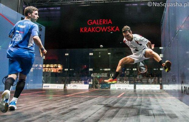 Miguel Rodriguez gets airborne against Mathieu Castagnet in Krakow