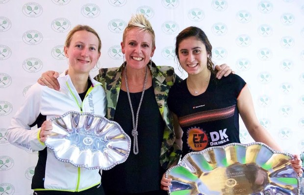 Linda Elriani with champion Nour El Sherbini and runner-up Alison Waters