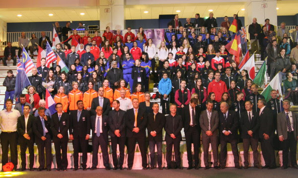 The Women's World Team Championships opening ceremony is photo-bombed by 16 men in the front row