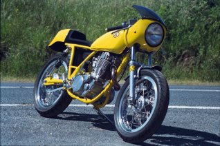 Chris Manhal's yellow peril, Koetong 2000