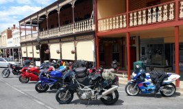 Lunch at Tanswell's Commercial Hotel, Beechworth, en route to the 2015 Rally