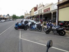 Lunch at Tanswell's Commercial Hotel, Beechworth, 2016.